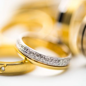 Everything you need to know to sell gold jewelry